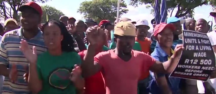 Mineworkers unite and fight for a living wage in South Africa